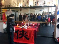 "拜關帝 Kung Fu school way ""Chinese New Year"""